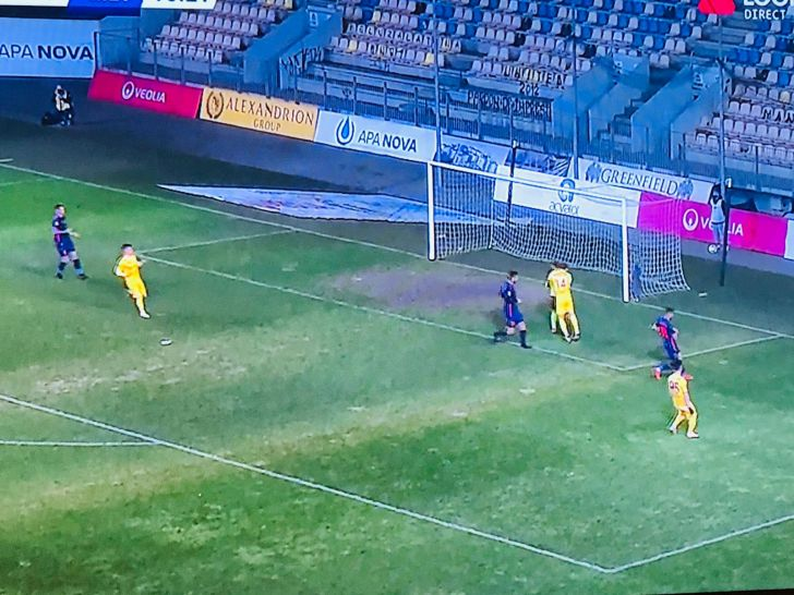 foto copacabana de pe stadionul ilie oana 30000 de euro aruncati pe apa sambetei
