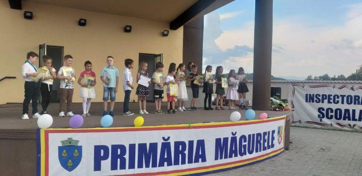 premii pentru elevii silitori din partea primariei magurele