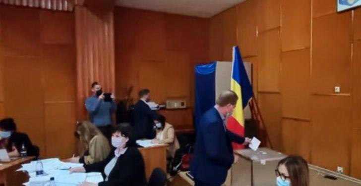 la sase luni de la alegerile locale campina are in sfarsit viceprimar